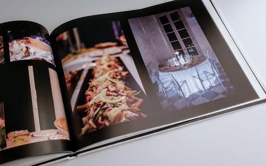 interni delle pagine del fotoalbum su fondo nero per esaltare gli scatti del servizio fotografico