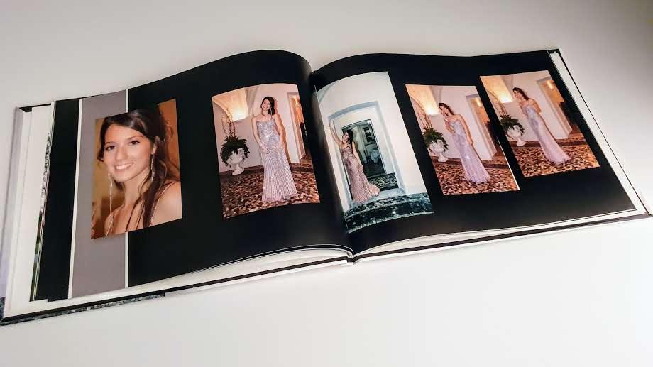 interno delle pagine dell fotoalbum del diciottesimo compleanno di Sara
