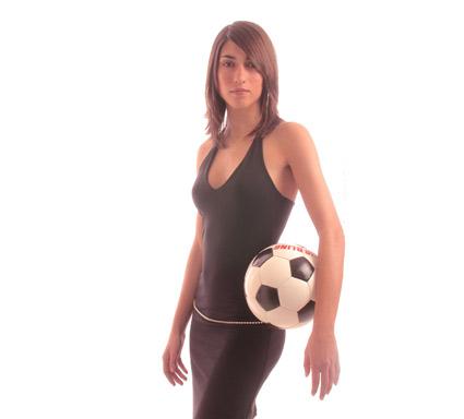 scatto fotografico realizzato in studio per il calendario di una squadra di calcio femminile
