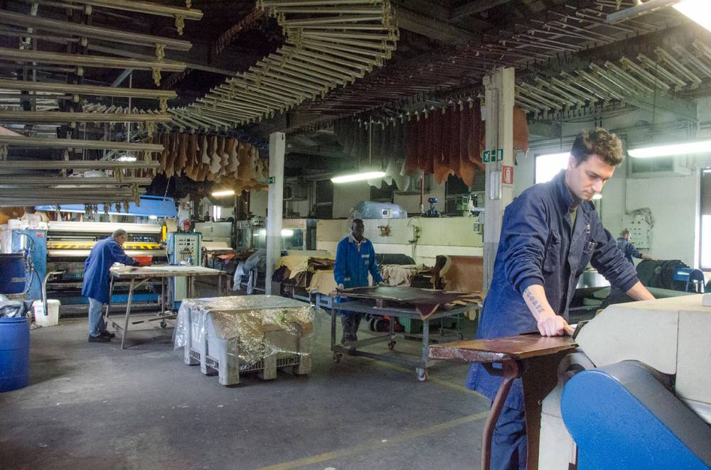 foto di lavorazioni in conceria