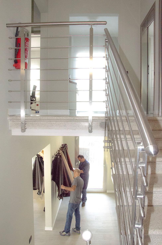 foto dell'interno degli uffici di una conceria