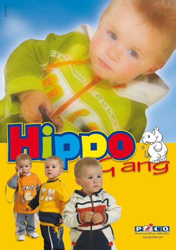 espositore e copertina progettata e fotografata per azienda di abbigliamento moda per bambini