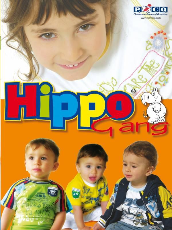 espositore da vetrina per azienda di abbigliamento da bambini